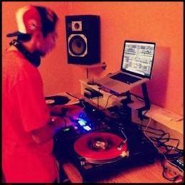 DJ StickIT
