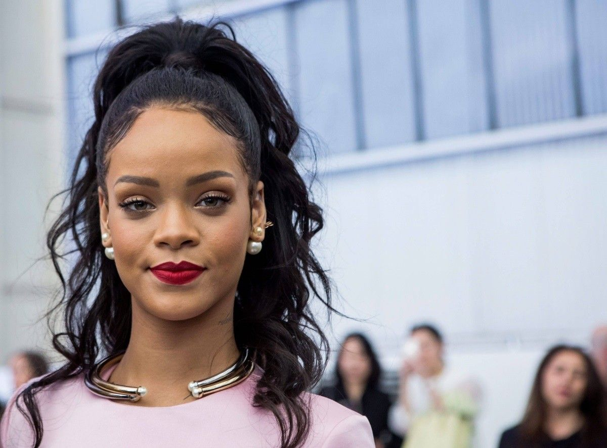 Astonishing Rihanna The New Entrepeneur In Town Her Campus Short Hairstyles Gunalazisus