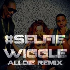 #SelfieWiggle