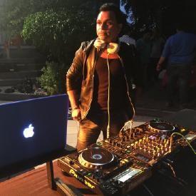 Aaj Raat ka Scene - DJ RAJ (Desi tadka mix )