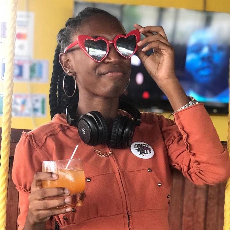 Www Kvetinas Bz Site Info: DJ Tash On Audiomack