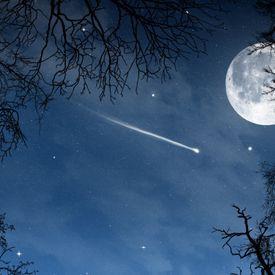 Stars At Night Time by, Elijah Hues