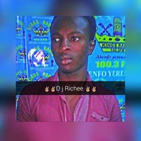 CHioces To Azonto Mix  By THE YOUNGEST RICHEE