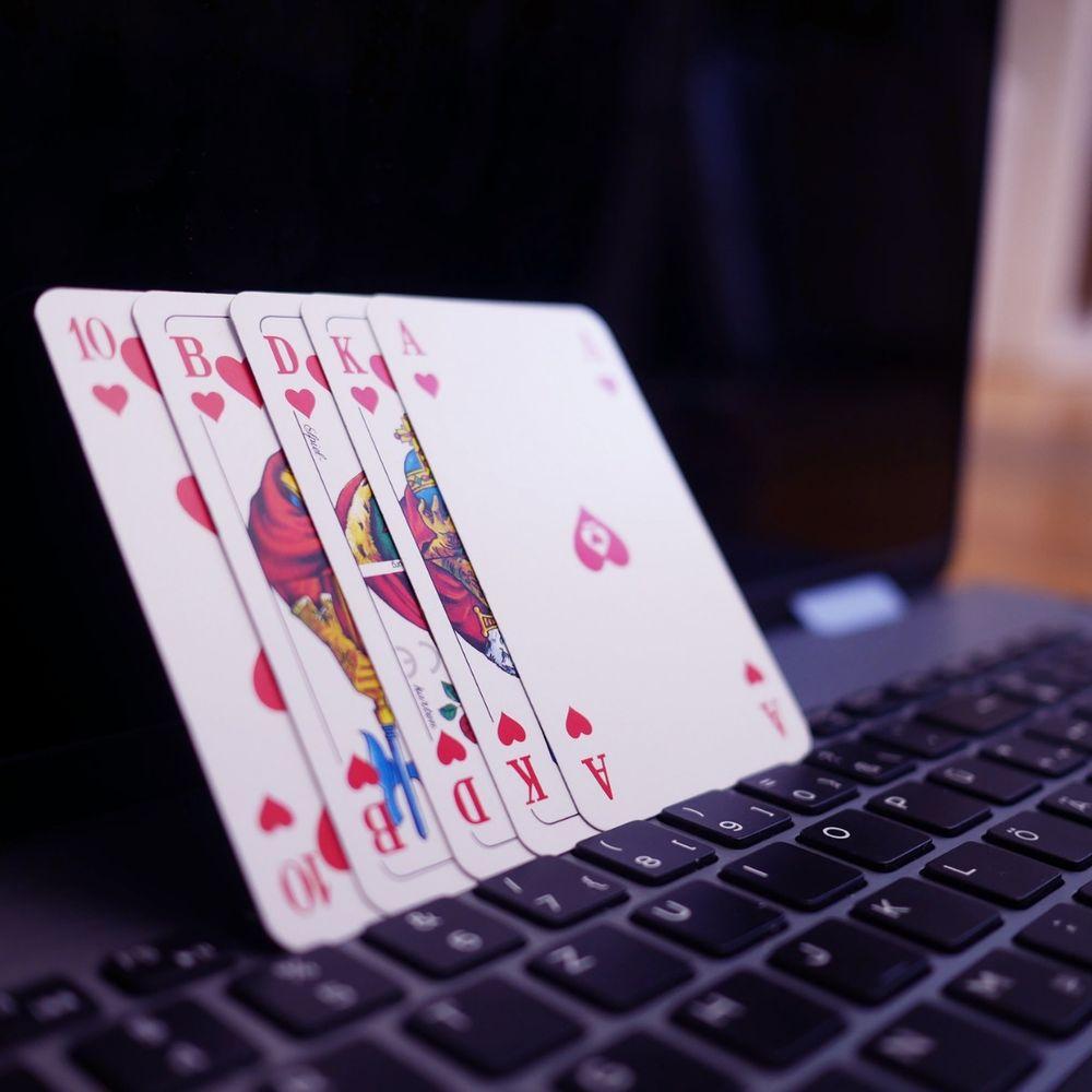 Situs Poker Online Terpercaya by HebohPKV: Listen for free